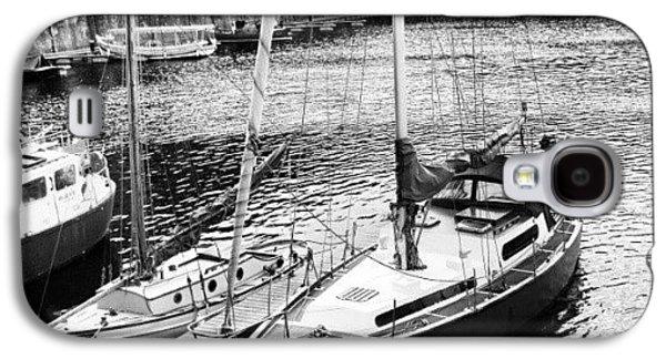 Follow Galaxy S4 Case - #albertdock #liverpool #harbor #boat by Abdelrahman Alawwad