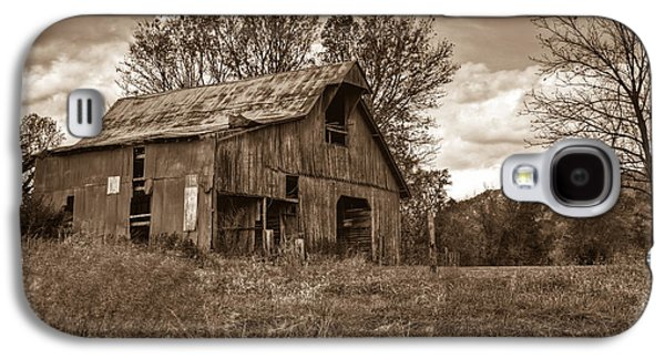 Barn In Turbulent Sky Galaxy S4 Case by Douglas Barnett