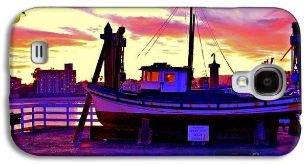 Boat On Santa Cruz Wharf Galaxy S4 Case by Garnett  Jaeger