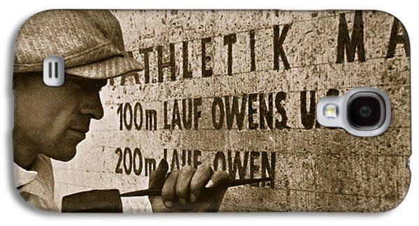 Carving The Name Of Jesse Owens Into The Champions Plinth At The 1936 Summer Olympics In Berlin Galaxy S4 Case by American School