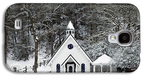 Chapel In The Snow - D007592 Galaxy S4 Case by Daniel Dempster