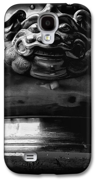 Face On A Incense Pot Taken In The Guan Di Temple In Ku Galaxy S4 Case by Zoe Ferrie