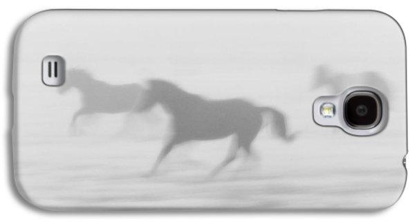 Horses Running In The Fog Mist Saskatchewan Canada Galaxy S4 Case