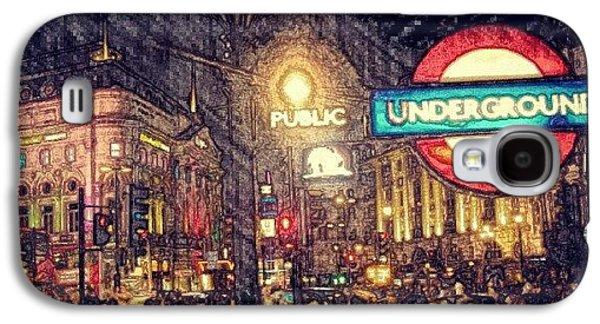 How London Looks Like At Night? May Galaxy S4 Case by Abdelrahman Alawwad