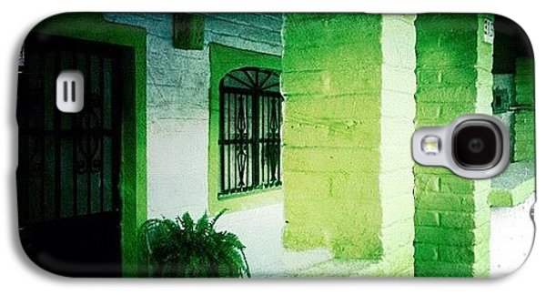 Colorful Galaxy S4 Case - Lime Green & White House (puerto by Natasha Marco