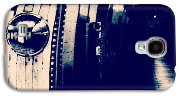 #london #londonpop #underground #bnw Galaxy S4 Case by Ritchie Garrod