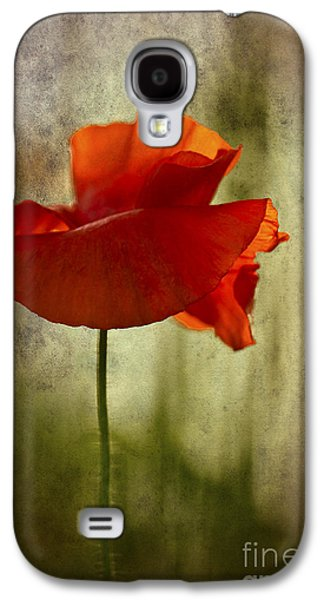 Moody Poppy. Galaxy S4 Case by Clare Bambers - Bambers Images