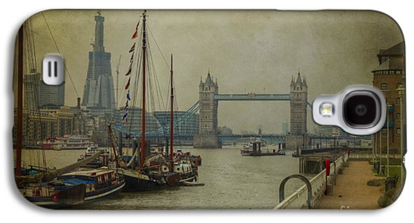 Moored Thames Barges. Galaxy S4 Case by Clare Bambers