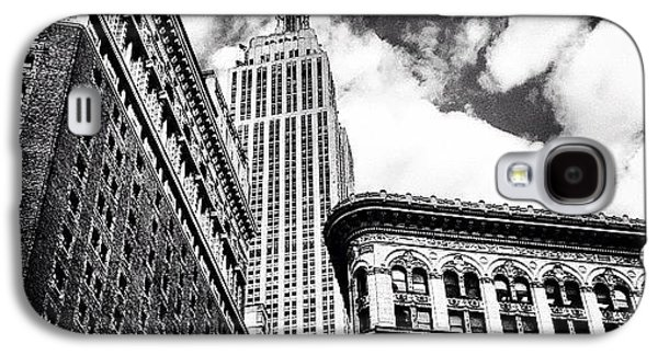 New York City - Empire State Building And Clouds Galaxy S4 Case