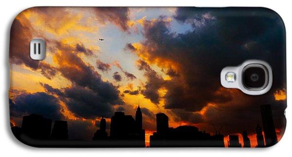 New York City Skyline At Sunset Under Clouds Galaxy S4 Case