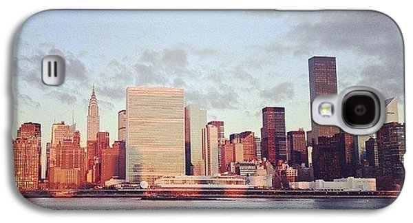 City Galaxy S4 Case - Nyc Sunrise by Randy Lemoine
