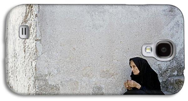 Old Age Woman Sitting Galaxy S4 Case by Juan Carlos Ferro Duque