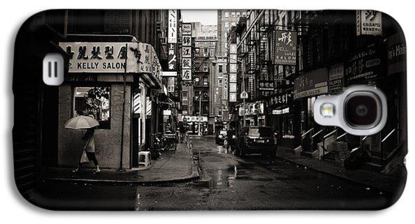 Rain - Pell Street - New York City Galaxy S4 Case by Vivienne Gucwa