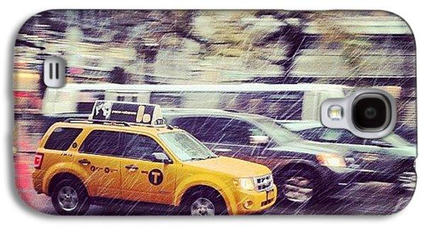 City Galaxy S4 Case - Snow In Nyc by Randy Lemoine