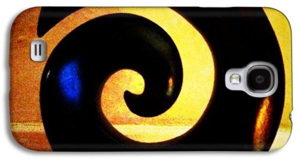 Light Galaxy S4 Case - Spiral by Ken Powers