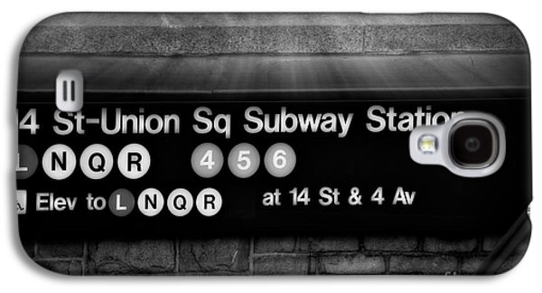 Union Square Subway Station Bw Galaxy S4 Case by Susan Candelario