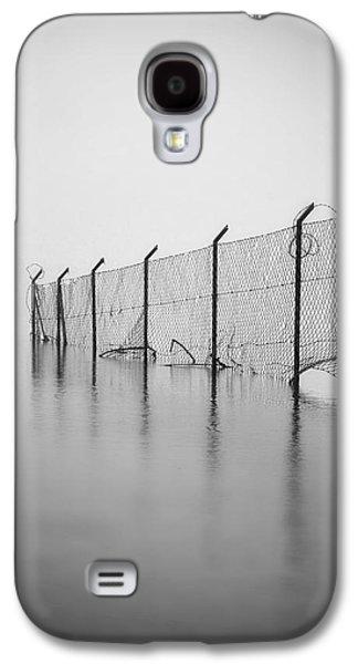 Wire Mesh Fence Galaxy S4 Case by Joana Kruse