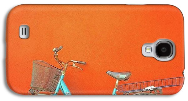 Blue Bike In Burano Italy Galaxy S4 Case by Anne Hilde Lystad