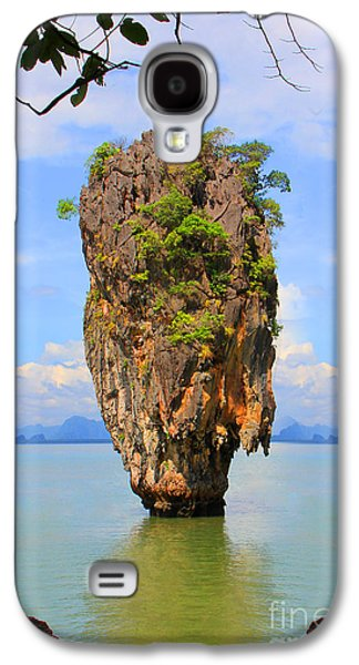 007 Island Galaxy S4 Case by Mark Ashkenazi