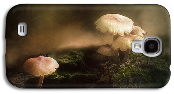 Magic Mushrooms Galaxy S4 Case by Scott Norris