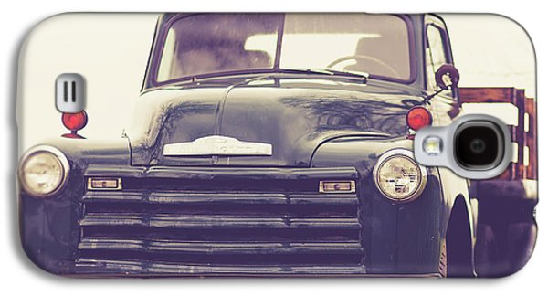 Green Galaxy S4 Case - Old Chevy Farm Truck In Vermont Square by Edward Fielding