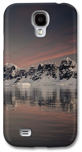 Mountain Photographs Galaxy S4 Cases - Peaks At Sunset Wiencke Island Galaxy S4 Case by Colin Monteath