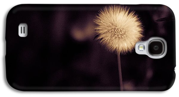 Galaxy S4 Case featuring the photograph Tuft by Lora Lee Chapman