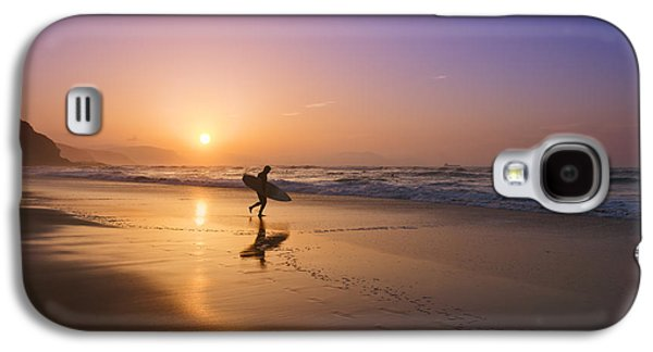Surfer Entering Water At Sunset Galaxy S4 Case by Mikel Martinez de Osaba