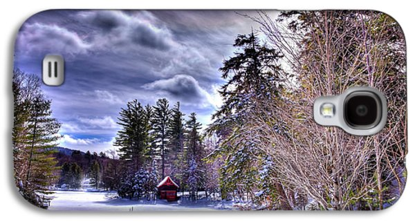 Galaxy S4 Case featuring the photograph The Beaver Brook Boathouse by David Patterson