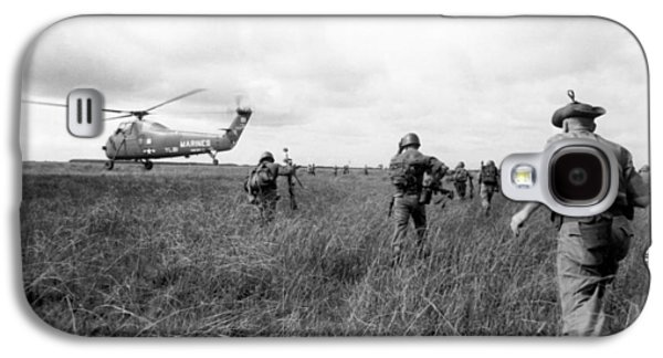 U.s. Army Advisors In Vietnam Galaxy S4 Case by Underwood Archives