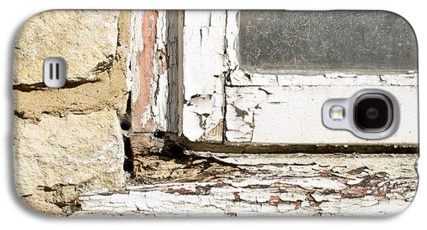 Old Window Galaxy S4 Case by Tom Gowanlock