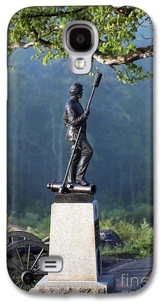 Devil's Den Monument At Gettysburg Galaxy S4 Case by John Greim