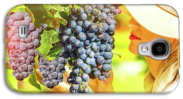 Farmer Controlling Red Grape Galaxy S4 Case
