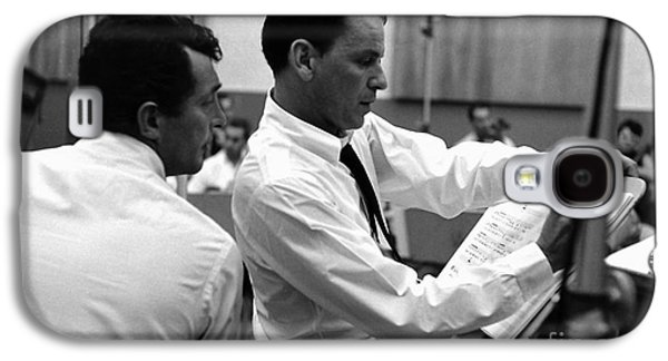 Frank Sinatra And Dean Martin At Capitol Records Studios 1958. Galaxy S4 Case by The Titanic Project