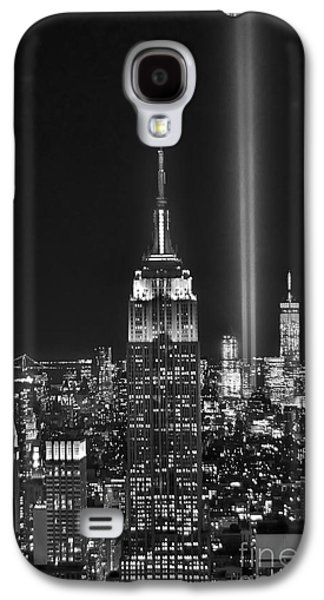 City Scenes Galaxy S4 Case - New York City Tribute In Lights Empire State Building Manhattan At Night Nyc by Jon Holiday