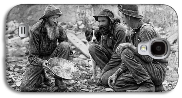3 Men And A Dog Panning For Gold C. 1889 Galaxy S4 Case by Daniel Hagerman