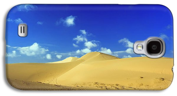 Sahara Sunlight Galaxy S4 Cases - Sandy desert Galaxy S4 Case by MotHaiBaPhoto Prints