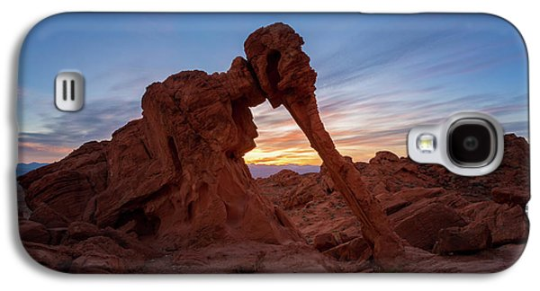 Valley Of Fire S.p. Galaxy S4 Case by Jon Manjeot