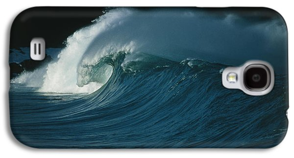 Wind-blown Wave Breaking In Hawaii Galaxy S4 Case by G. Brad Lewis