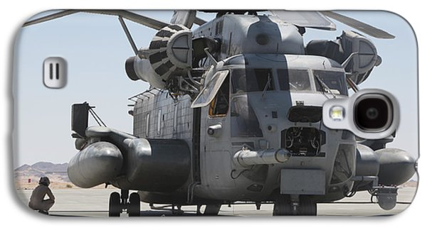 Exercise Photographs Galaxy S4 Cases - A Ch-53 Sea Stallion Helicopter Galaxy S4 Case by Stocktrek Images