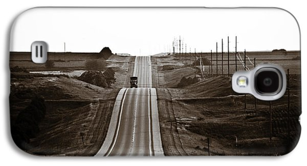 Nebraska Galaxy S4 Cases - A Country Mile 1 Galaxy S4 Case by Marilyn Hunt