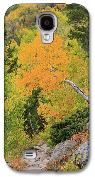 Galaxy S4 Case featuring the photograph Yellow Drop by David Chandler