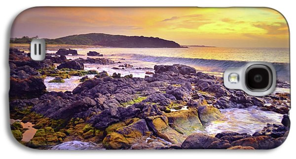 A Gentle Wave At Sunset Galaxy S4 Case by Tara Turner