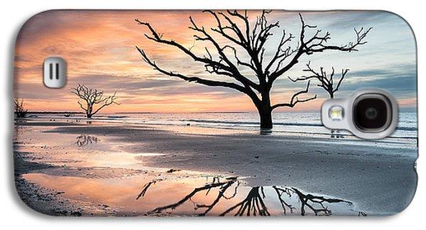 A Moment Of Reflection - Charleston's Botany Bay Boneyard Beach Galaxy S4 Case