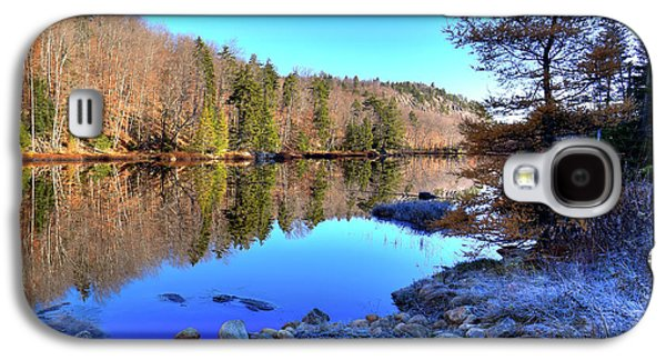Galaxy S4 Case featuring the photograph A November Morning On The Pond by David Patterson
