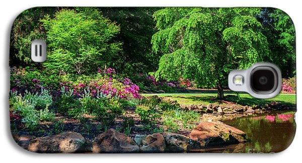 Galaxy S4 Case - A Peaceful Feeling At The Azalea Pond by Tamyra Ayles