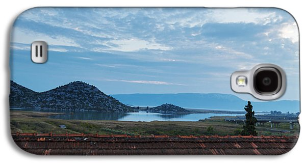 A View Of The Lake, The Mountains And The Twilight Evening Sky Galaxy S4 Case