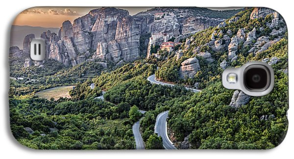 A View Of The Meteora Valley In Greece Galaxy S4 Case