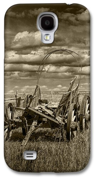 Selenium Galaxy S4 Cases - Abandoned Covered Wagon in Sepia Tone Galaxy S4 Case by Randall Nyhof