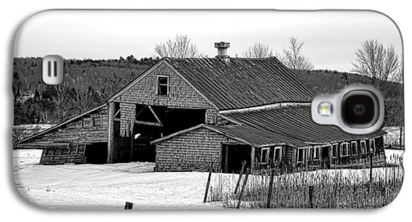 Abandoned Maine Barn In Winter Galaxy S4 Case by Olivier Le Queinec